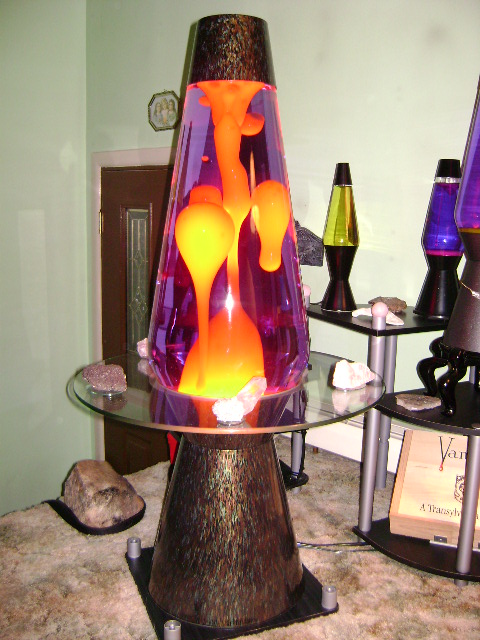 colossus-lava-lamp-photo-10