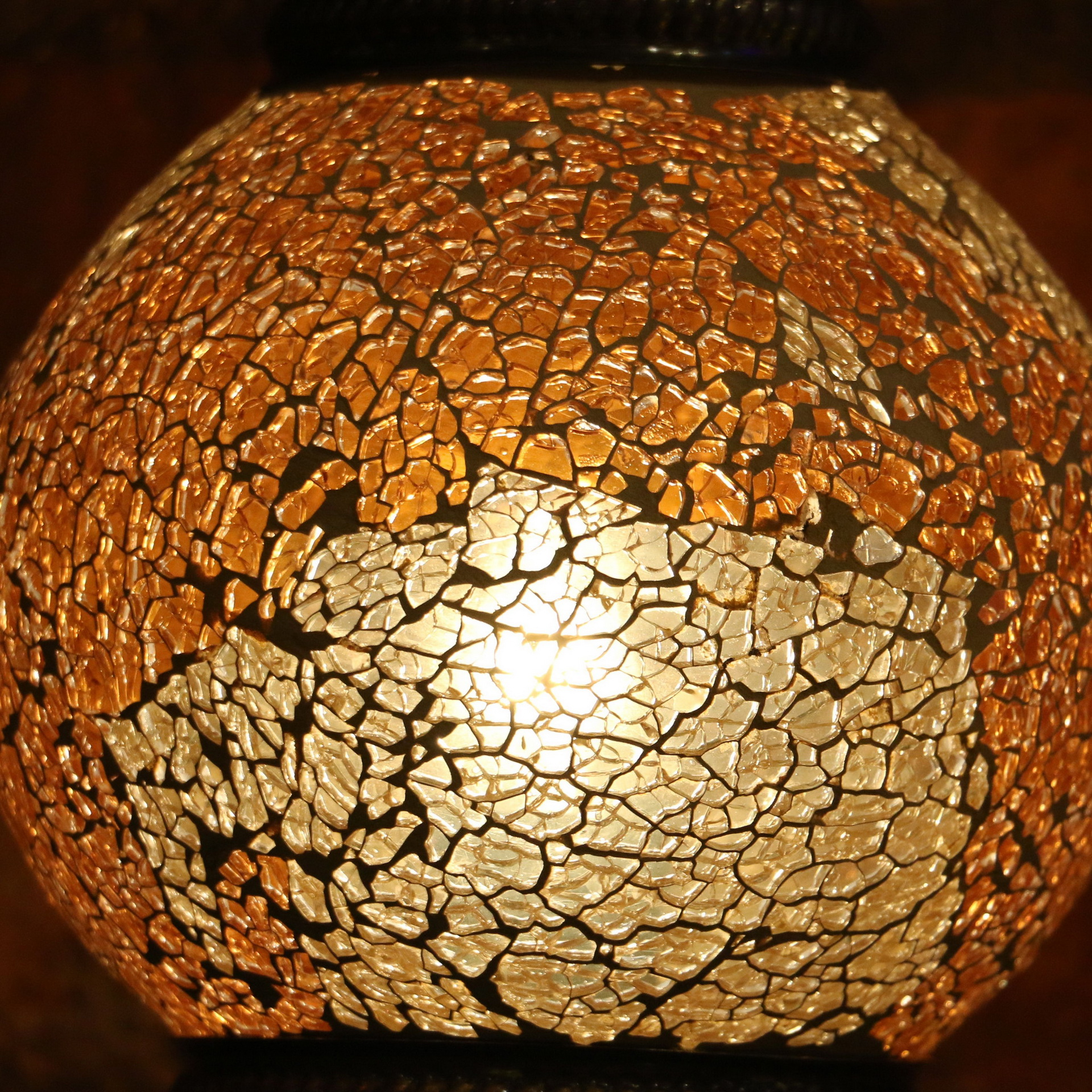 Crackle Glass Lamp Modulate Illumination To Your Home Space