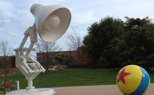 disney-pixar-lamp-photo-16