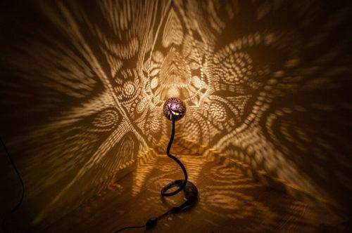 eye-of-sauron-desk-lamp-photo-10