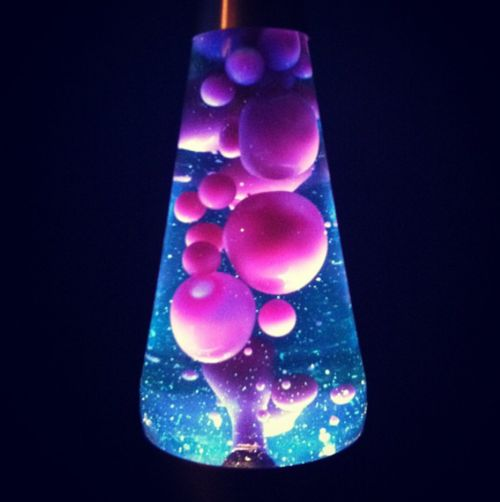 Lava lamp table - 16 creative ways of beautifying your room ...
