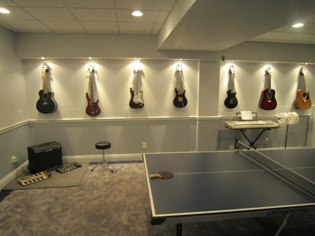 Lighted guitar wall mount 12 musical inspirations to for Lights for your room
