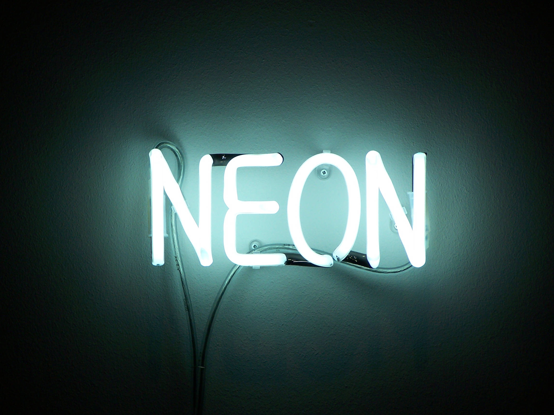 neon-2297-1723-wallpaper