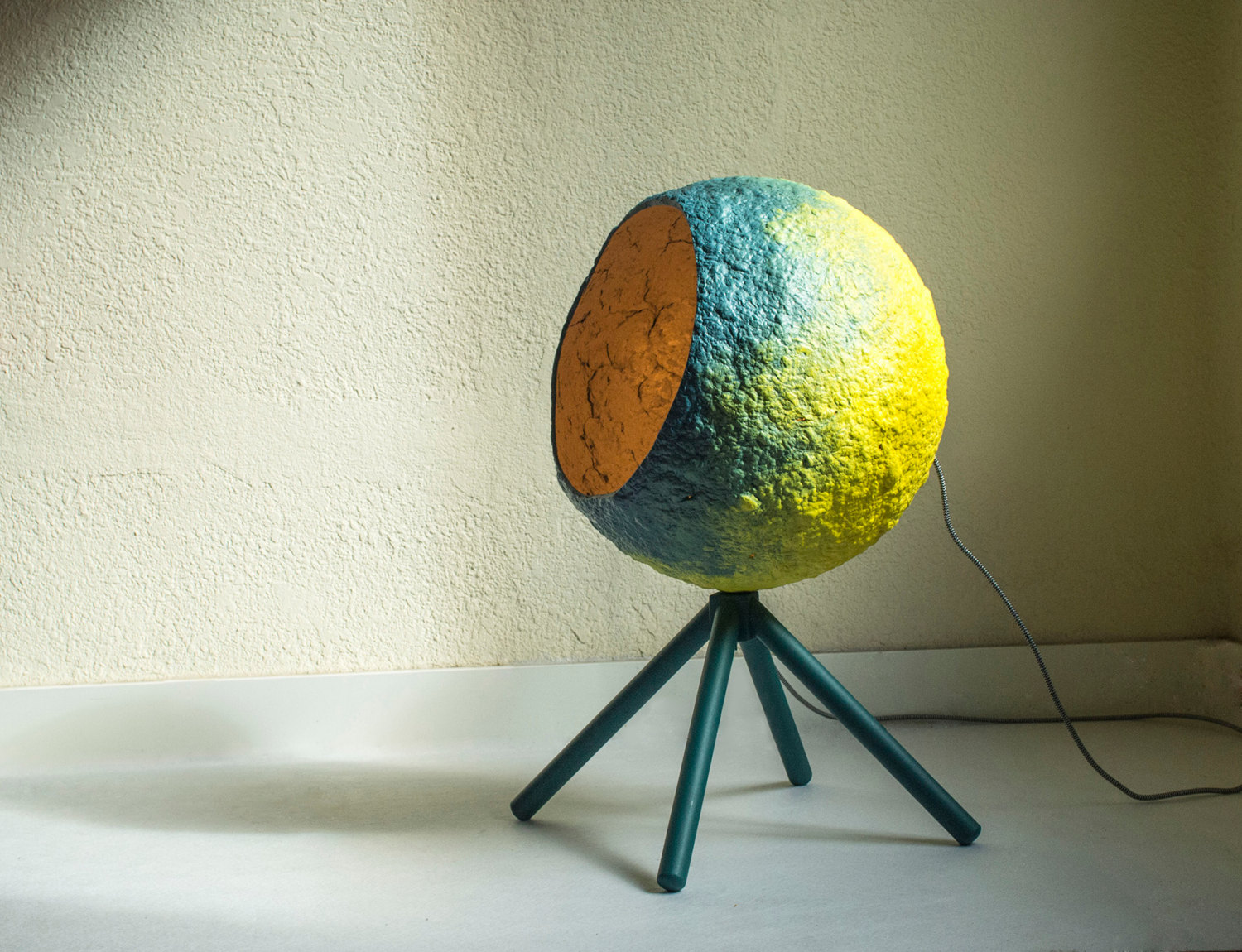 paper-mache-lamp-photo-13