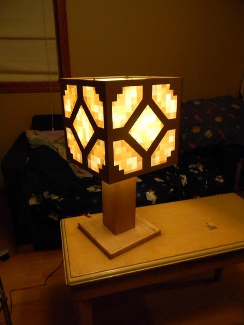 Red-stone-lamp-photo-2