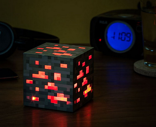 Red-stone-lamp-photo-4