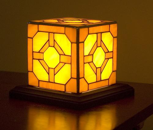 Red-stone-lamp-photo-6