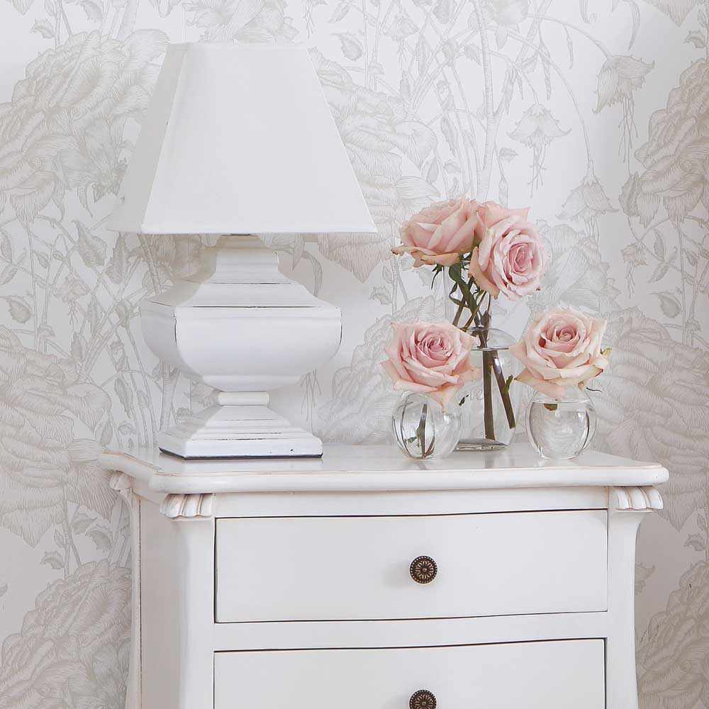 Crucial role played by shabby chic table lamps warisan for Tableaux shabby chic