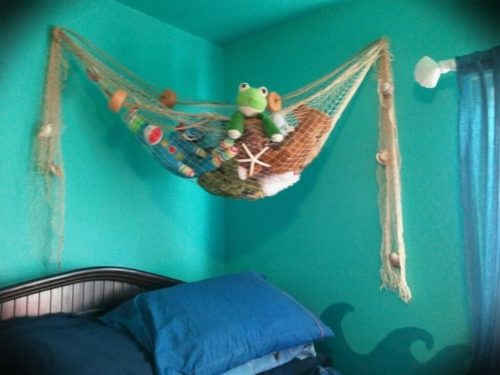 stuffed-animals-that-light-up-the-ceiling-photo-7