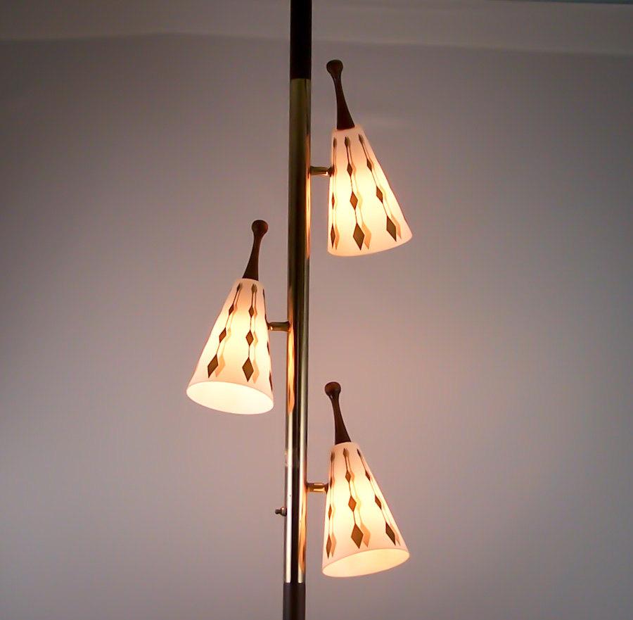 vintage-tension-pole-lamp-photo-7