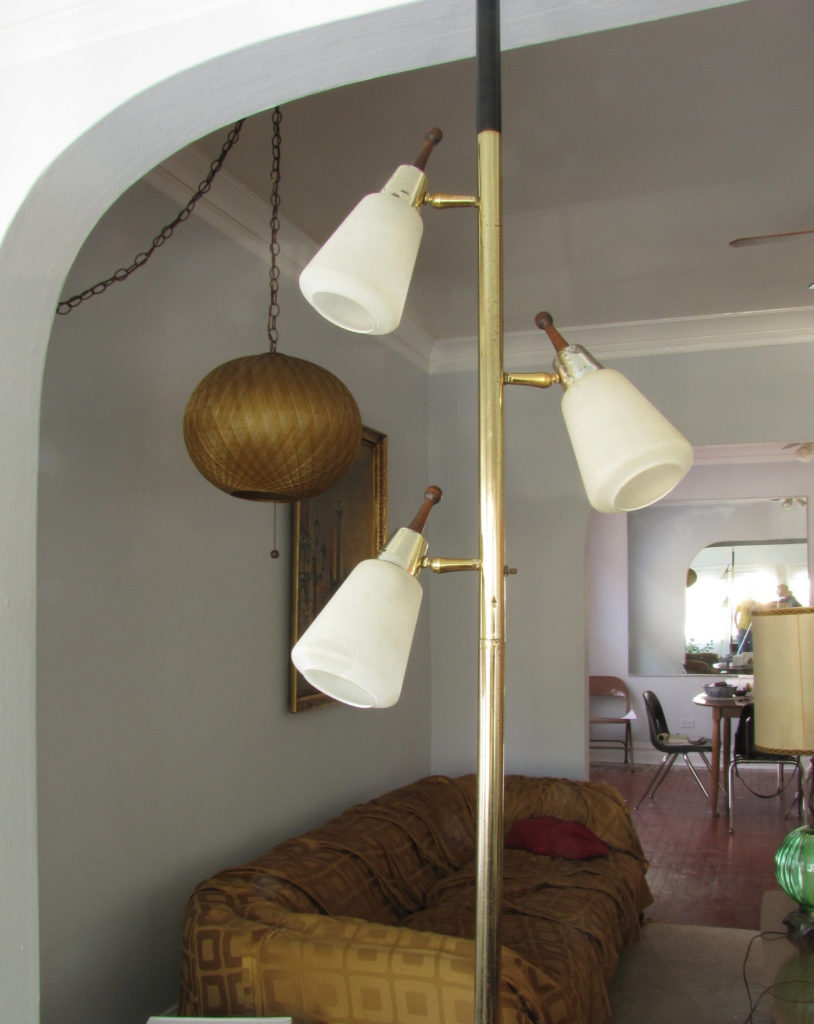 vintage-tension-pole-lamp-photo-8