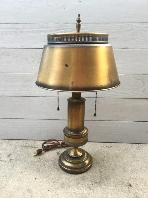 vintage-underwriters-laboratories-portable-lamp-photo-4