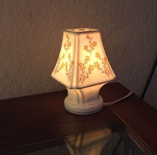 vintage-underwriters-laboratories-portable-lamp-photo-9