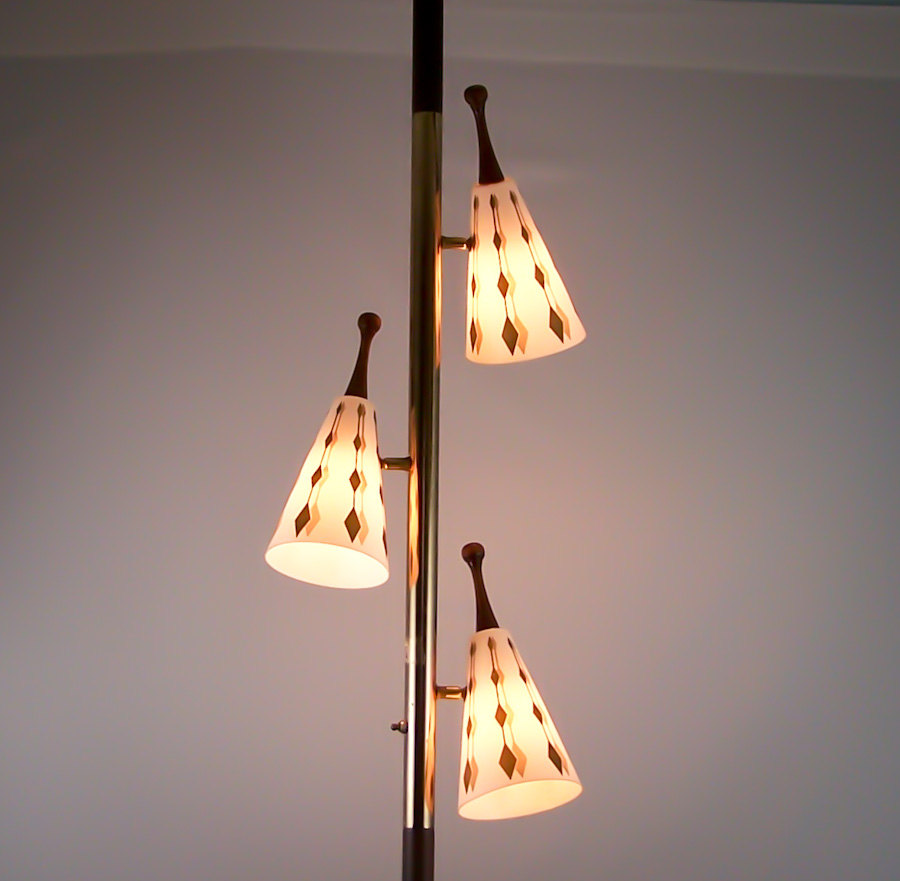 Antique pole lamps for a better lighting and home aesthetics these antique pole lamps vary even in the price and in designing arubaitofo Choice Image