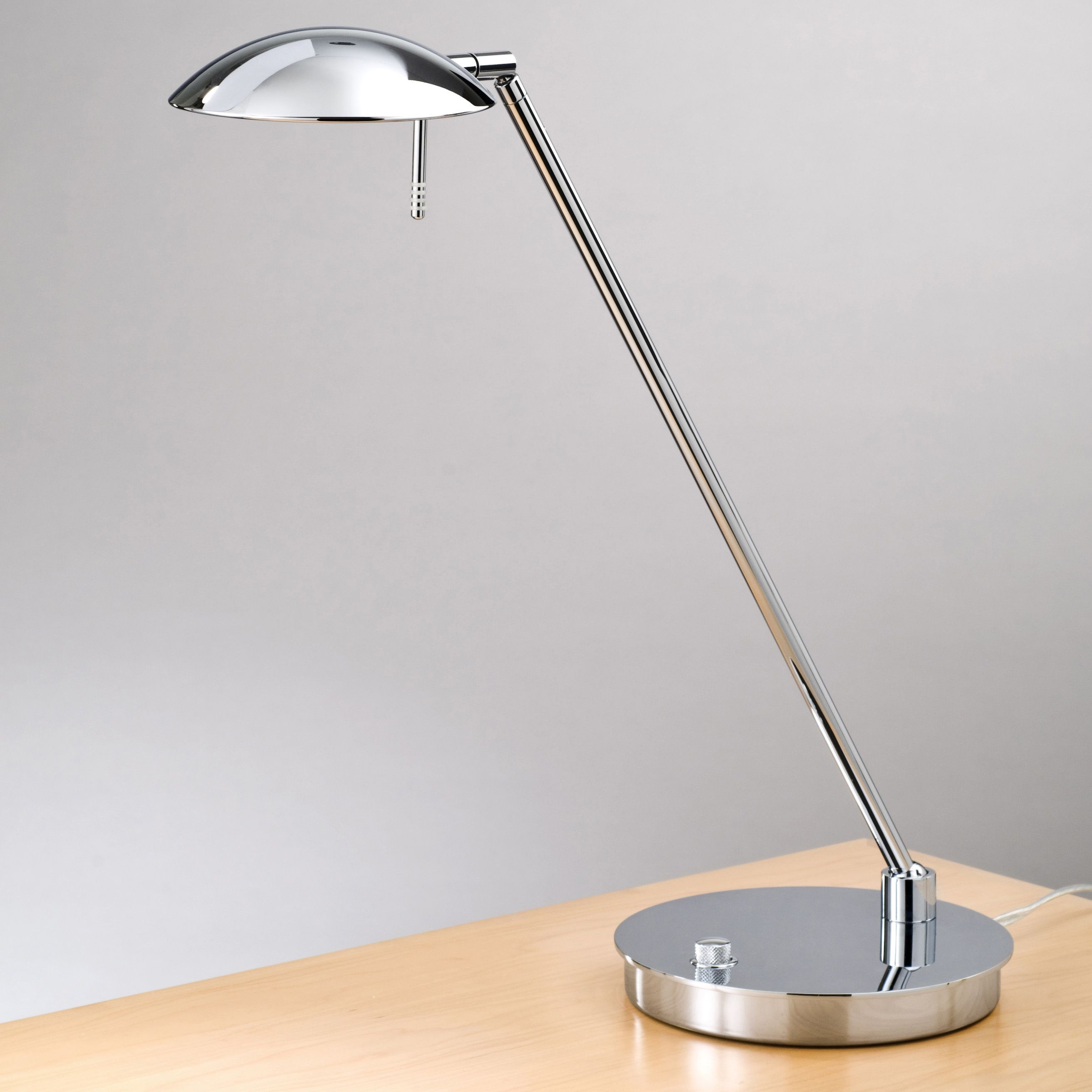 Etonnant Large Portions Of The Swing Arm Lights Have An Appearance To A Normal Table  Light And Accordingly Mix Effectively With A Conventional Or Contemporary  Style ...