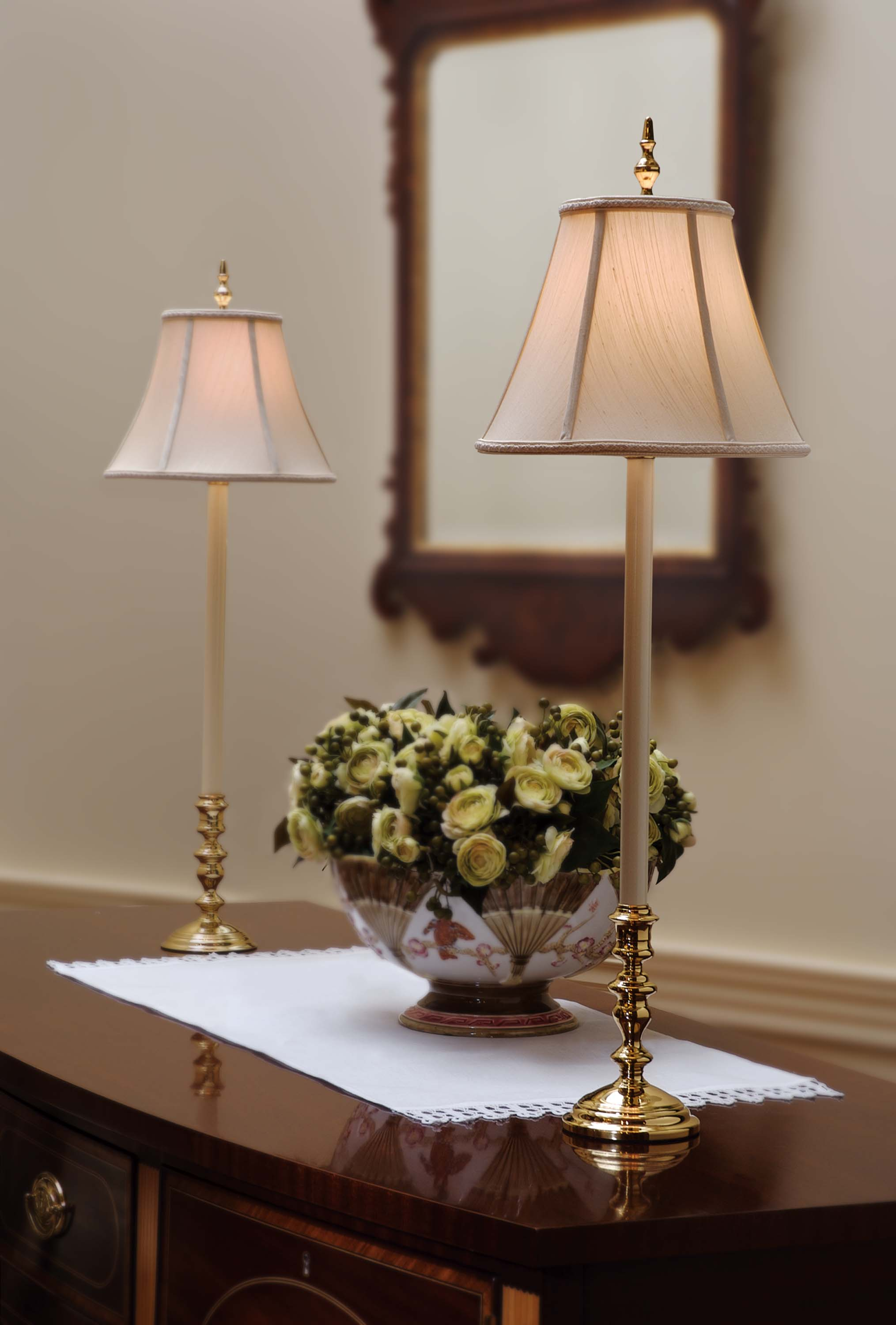 10 Powerful Advantages of Using Brass Buffet Lamps | Warisan Lighting