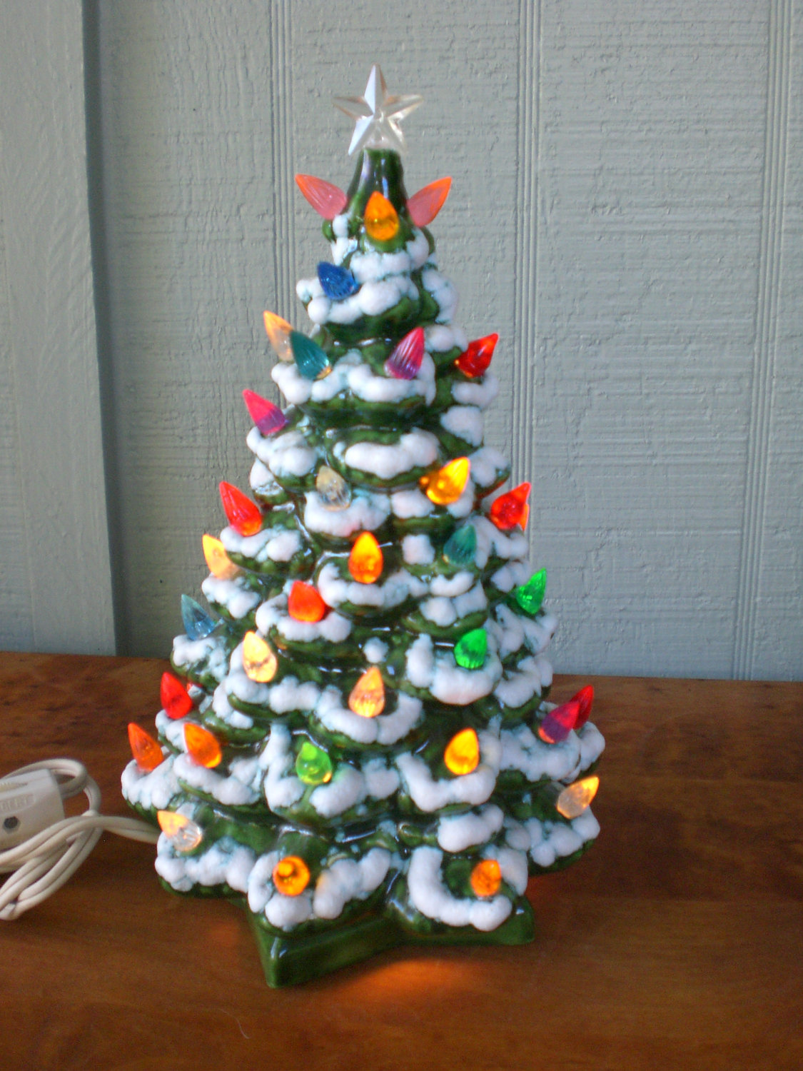 Top 10 Christmas Tree Lamps For Your Great Holiday Warisan Lighting