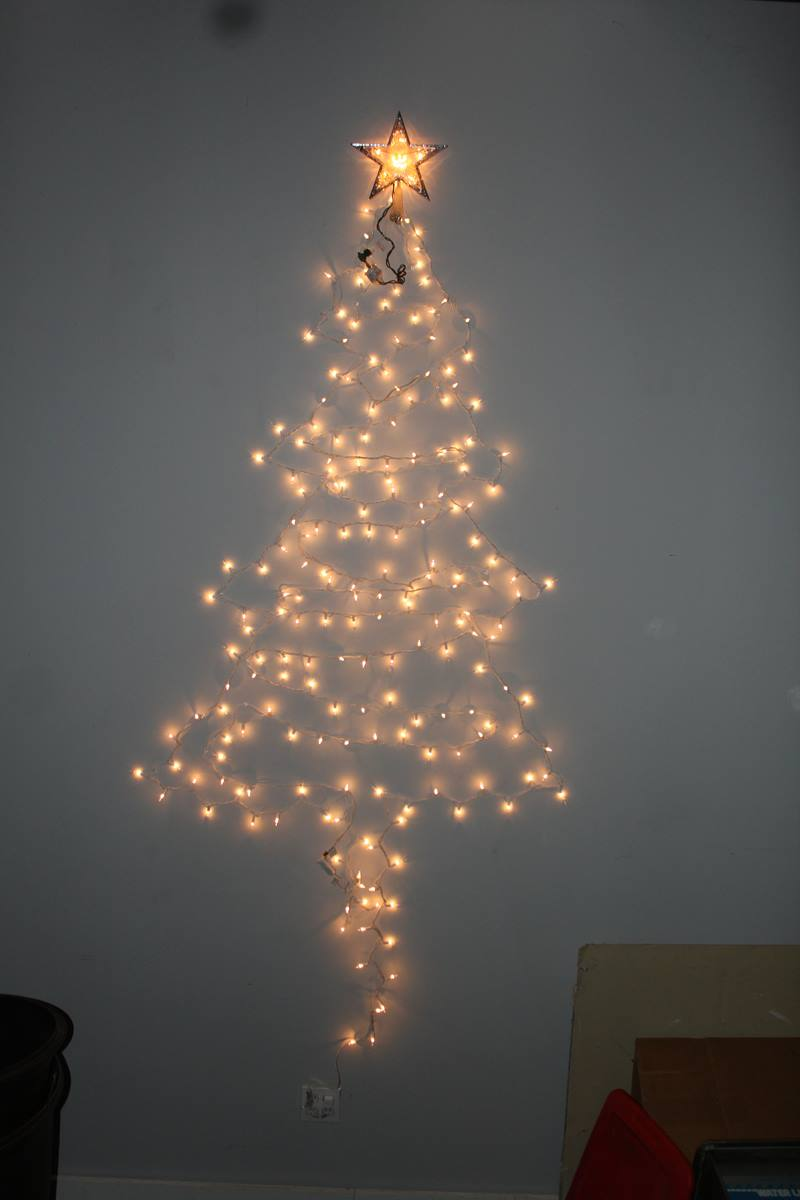 Wall Christmas Lights : 10 benefits of Christmas tree of lights on wall Warisan Lighting