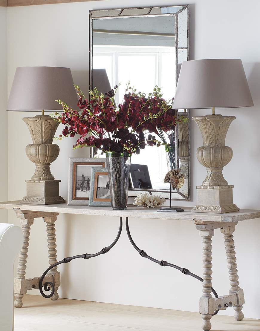 Console table lamps to light up your lobby warisan lighting for Sofa table lighting