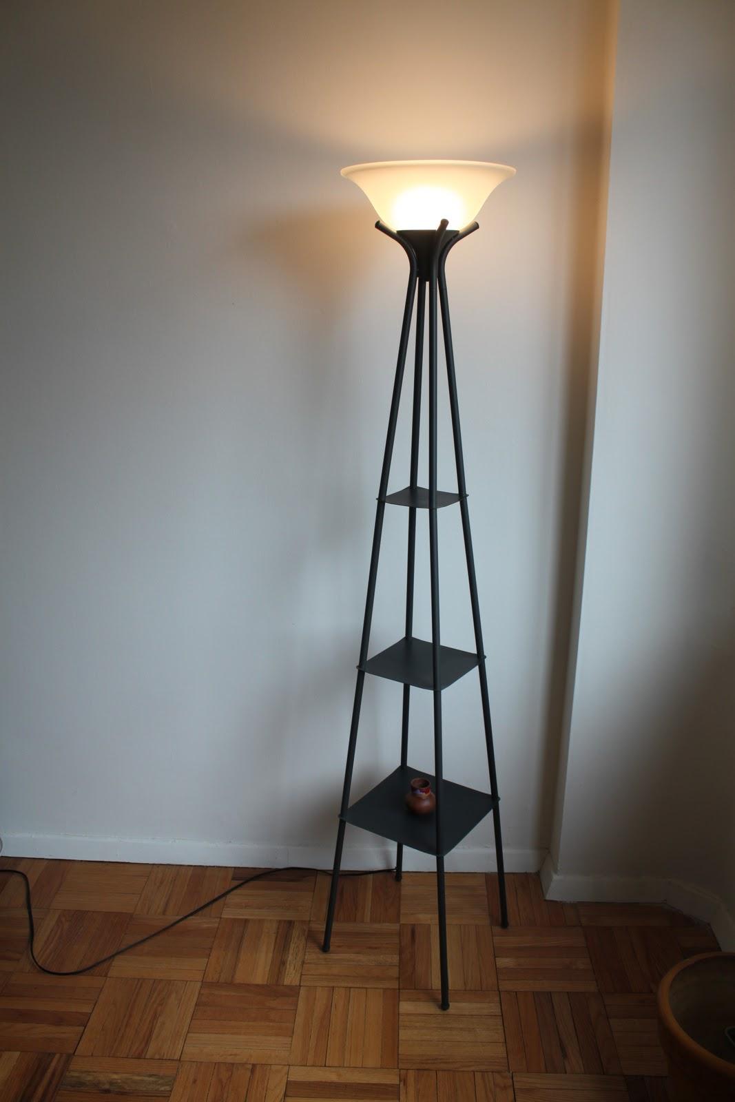 Corner floor lamp - Improving the dynamics of your living room ...