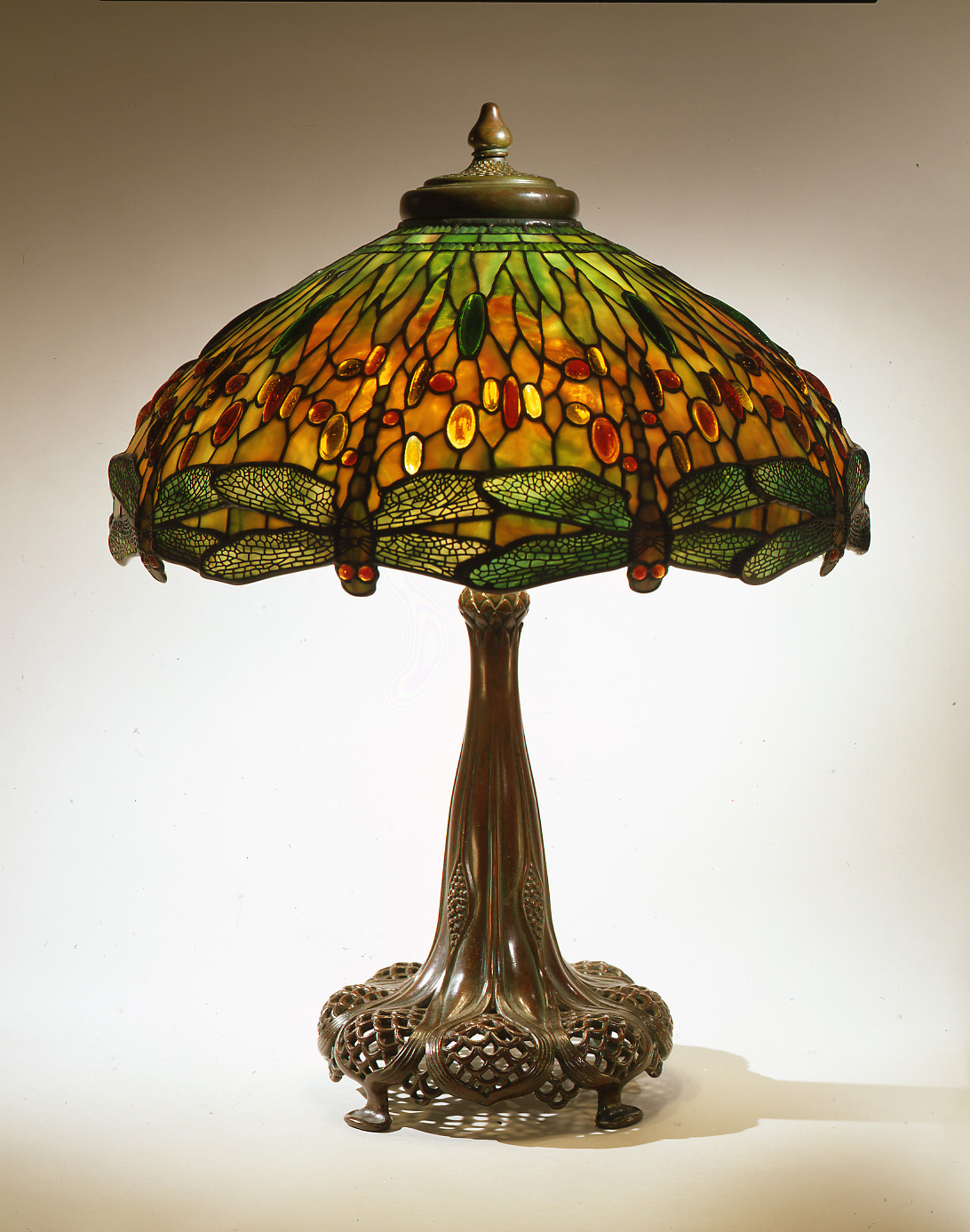 Dragonfly tiffany lamp embrace your homes in sparkle warisan combine the tiffany dragonfly lamp with any room design arubaitofo Gallery