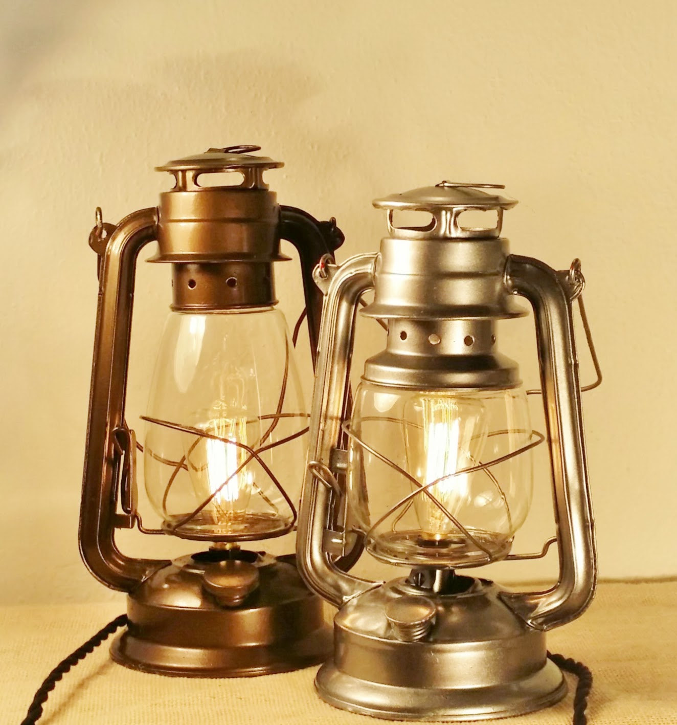 10 reasons why you should using electric lantern table lamp many restaurants who like to go with the vintage theme would also be using this electric lantern table lamp if you want to go with the vintage look aloadofball Images