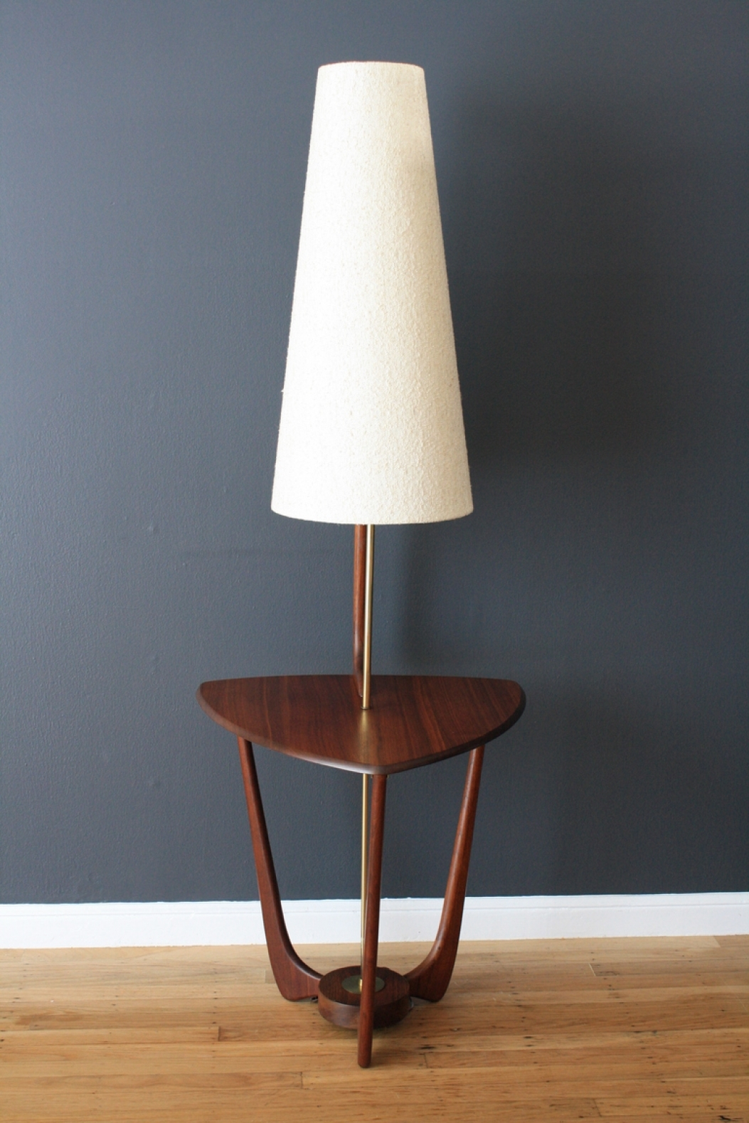 Awesome Best Combination For Your Floor Lamp With Table Attached With Your Room  Theme