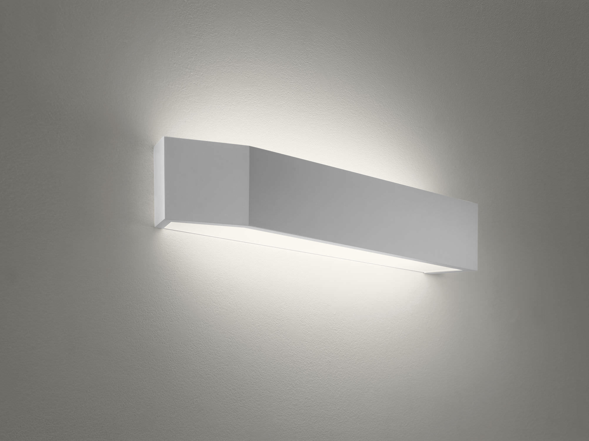 Wall Mounted Fluorescent Lamp : The beauty of Fluorescent wall lights Warisan Lighting