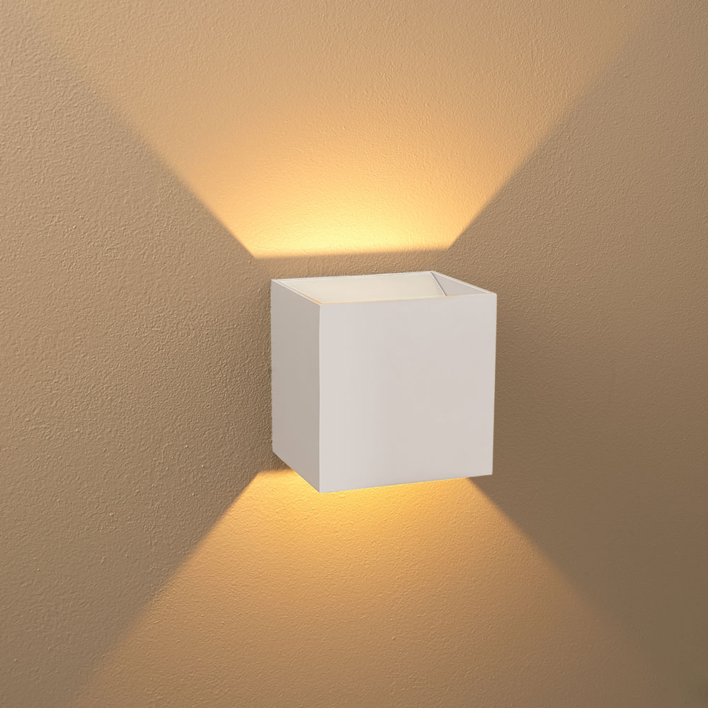 Choosing Interior LED Wall Lights That Meets Any Room ... on Led Wall id=77787
