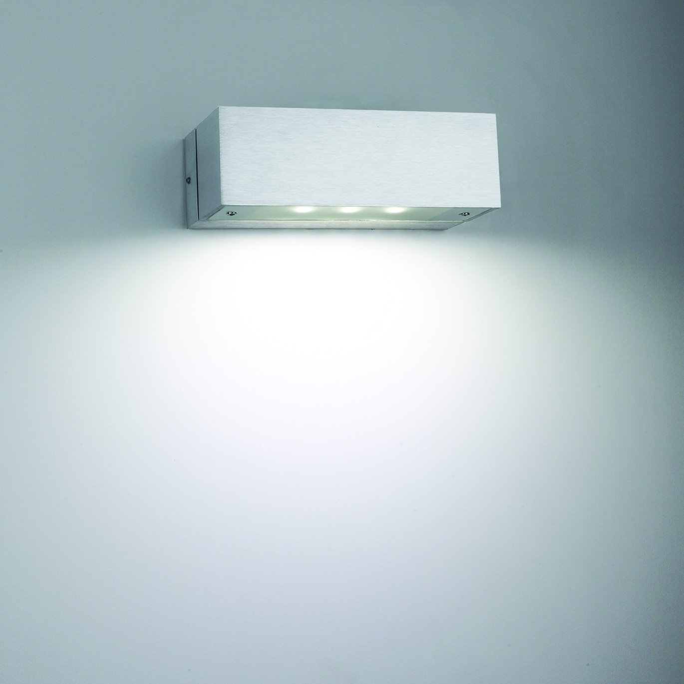 Get the Elite and Modern Home look with interior wall mounted light ...