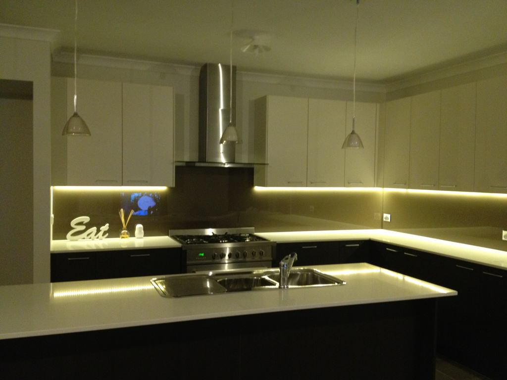 Led Ceiling Lights For Kitchens : Choosing installation contractors for kitchen ceiling led