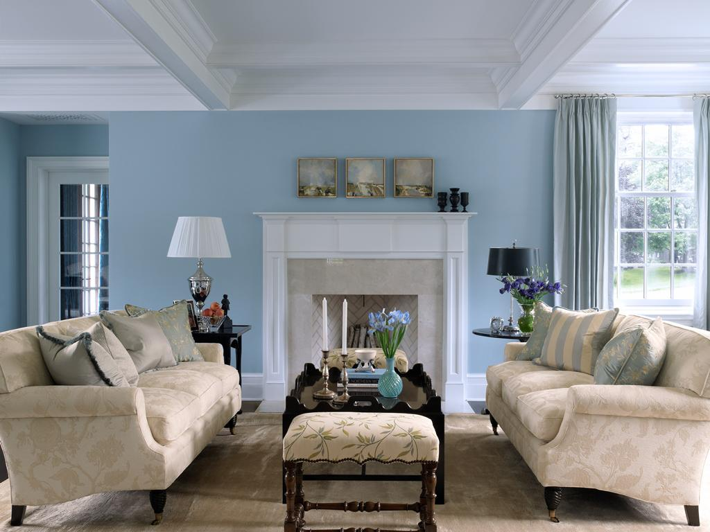 How to decorate light blue living room walls warisan for How to decorate a sitting room