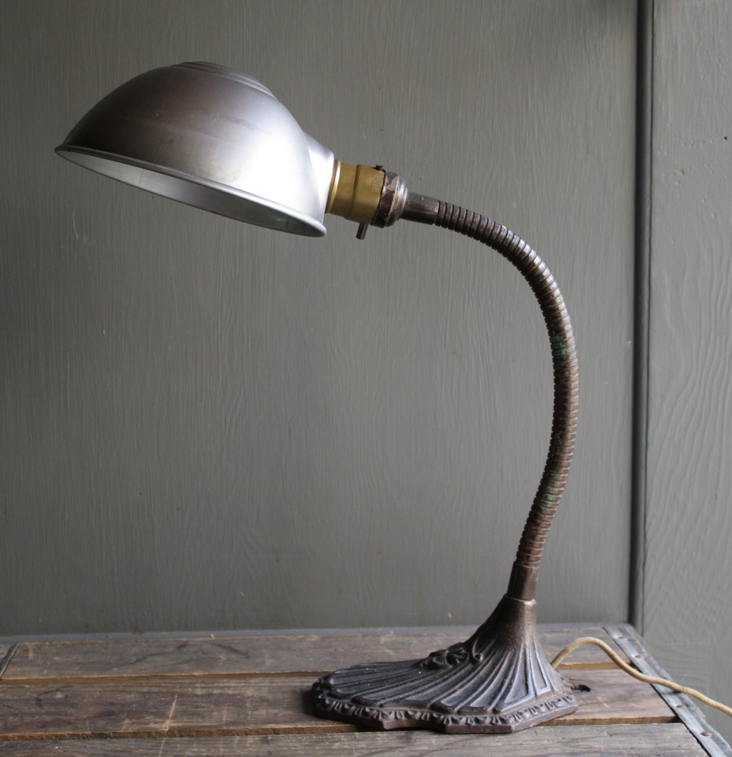 Pricing and design - TO 10 Old Desk Lamps For Bedrooms And Studyrooms Warisan Lighting
