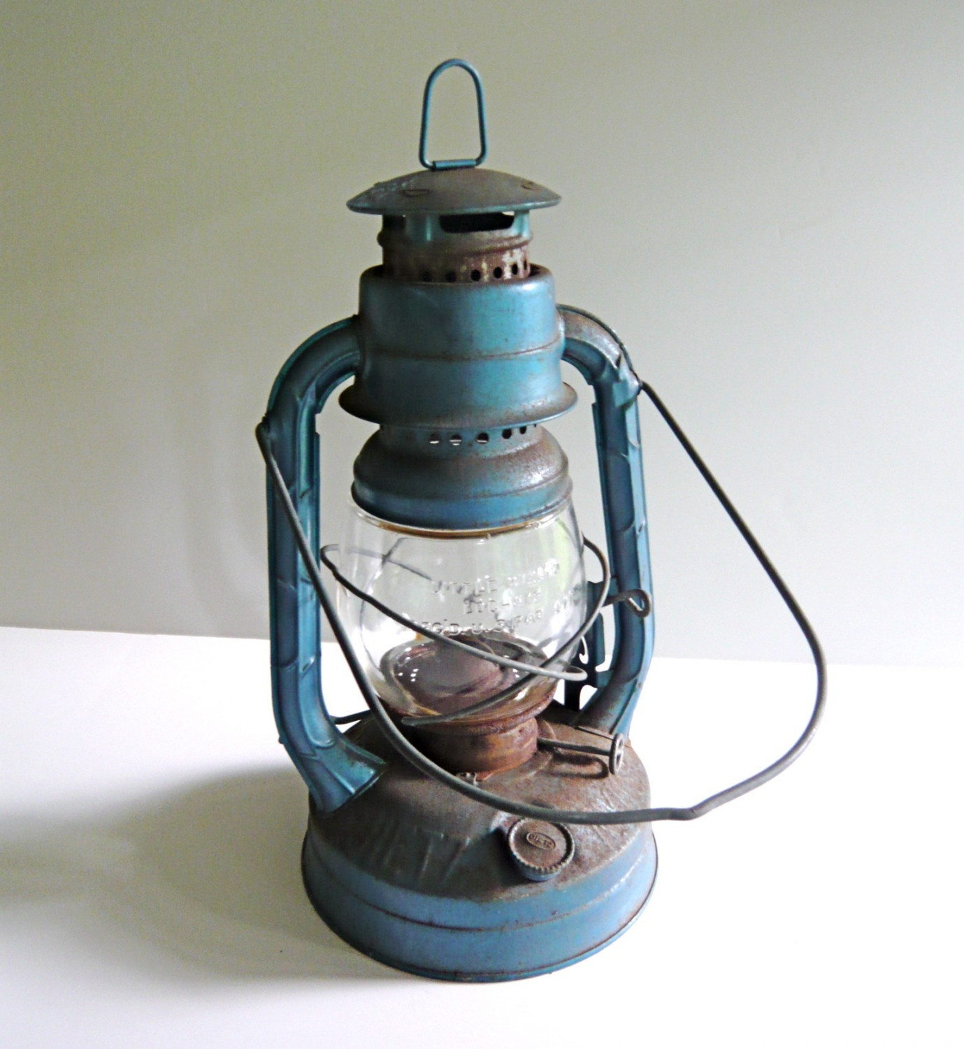 Old Oil Lamps   Bringing The Vintage Lighting To Style | Warisan Lighting