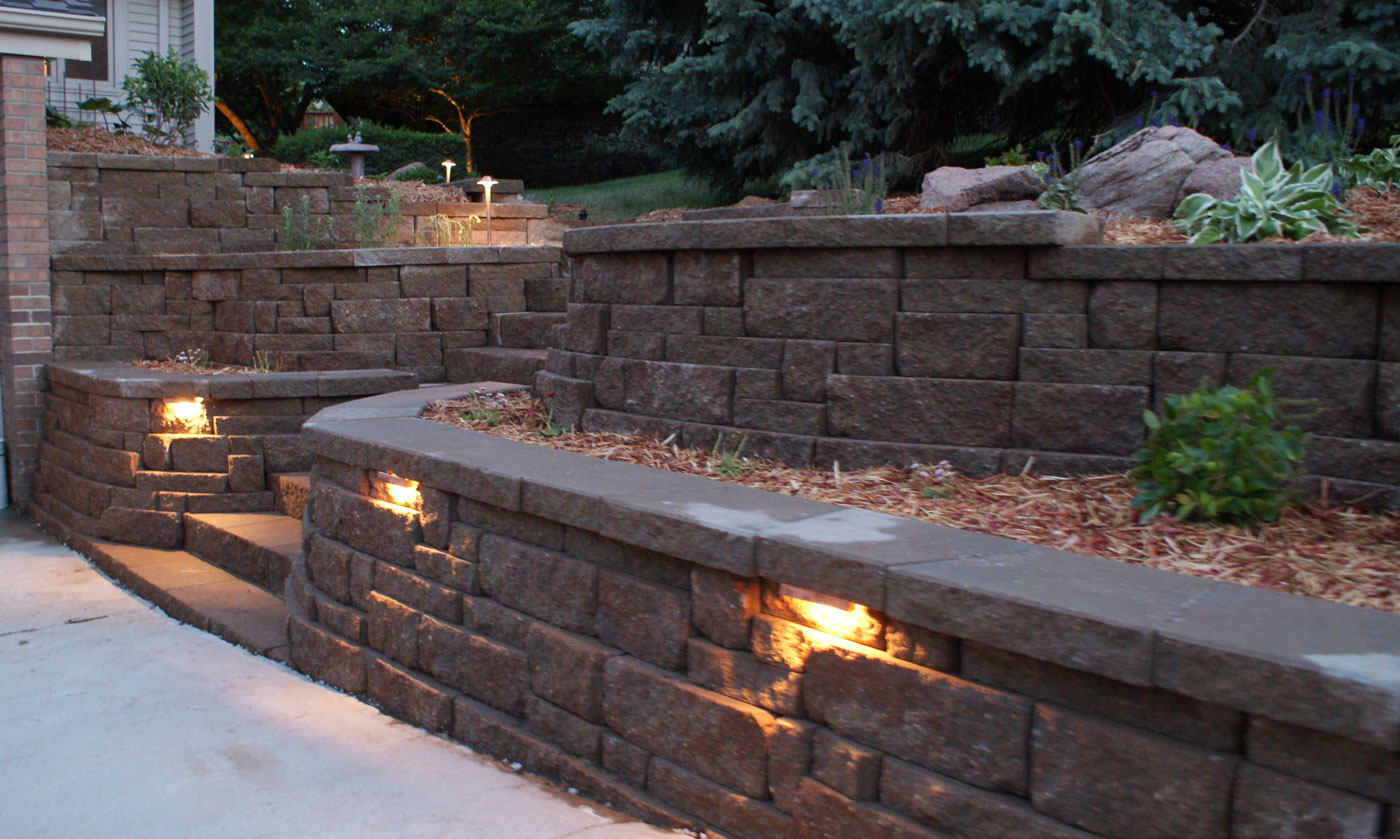 10 Steps For Choosing Retaining Wall Lights Warisan Lighting