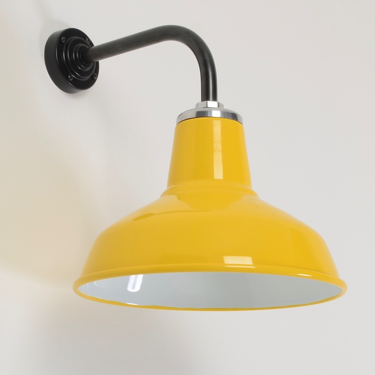 Why Retro Wall Lights Are Essential