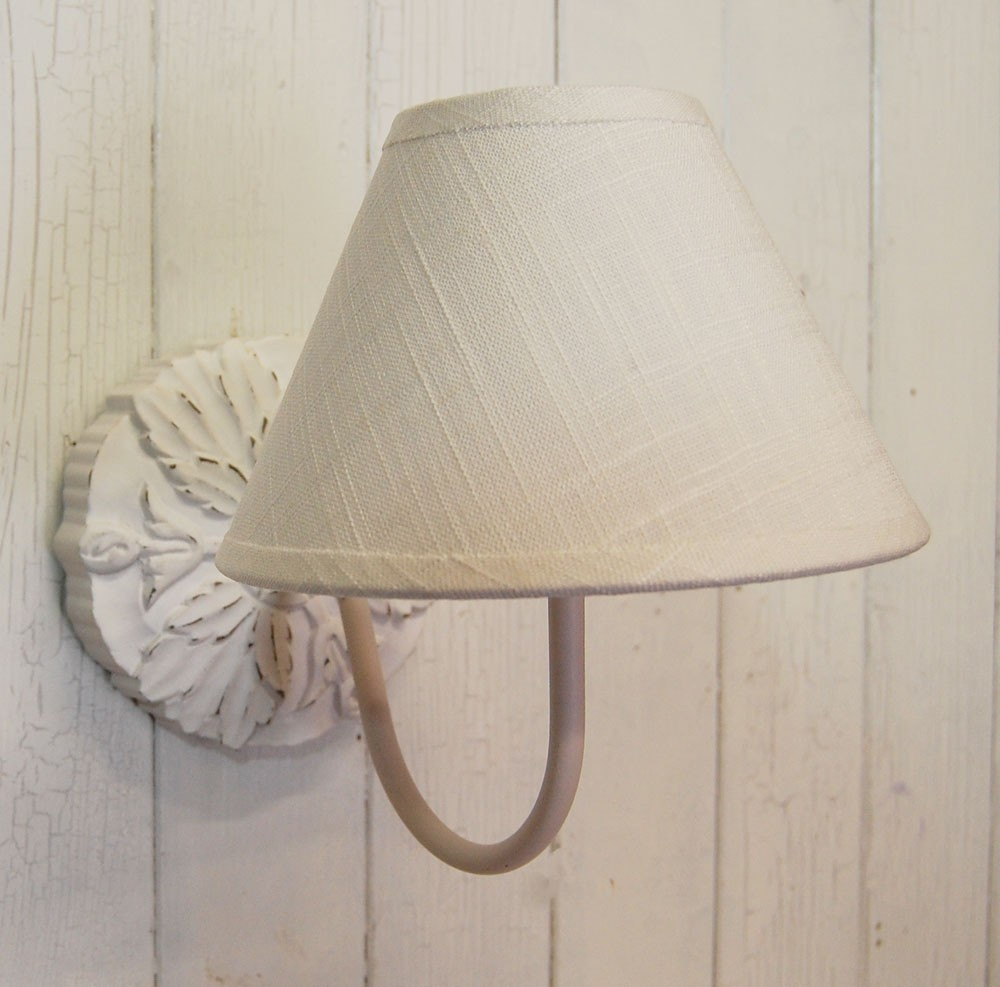Shabby chic wall lights - 10 Ways To Use Sconce Lighting To Improve Your Shabby Chic Decor ...