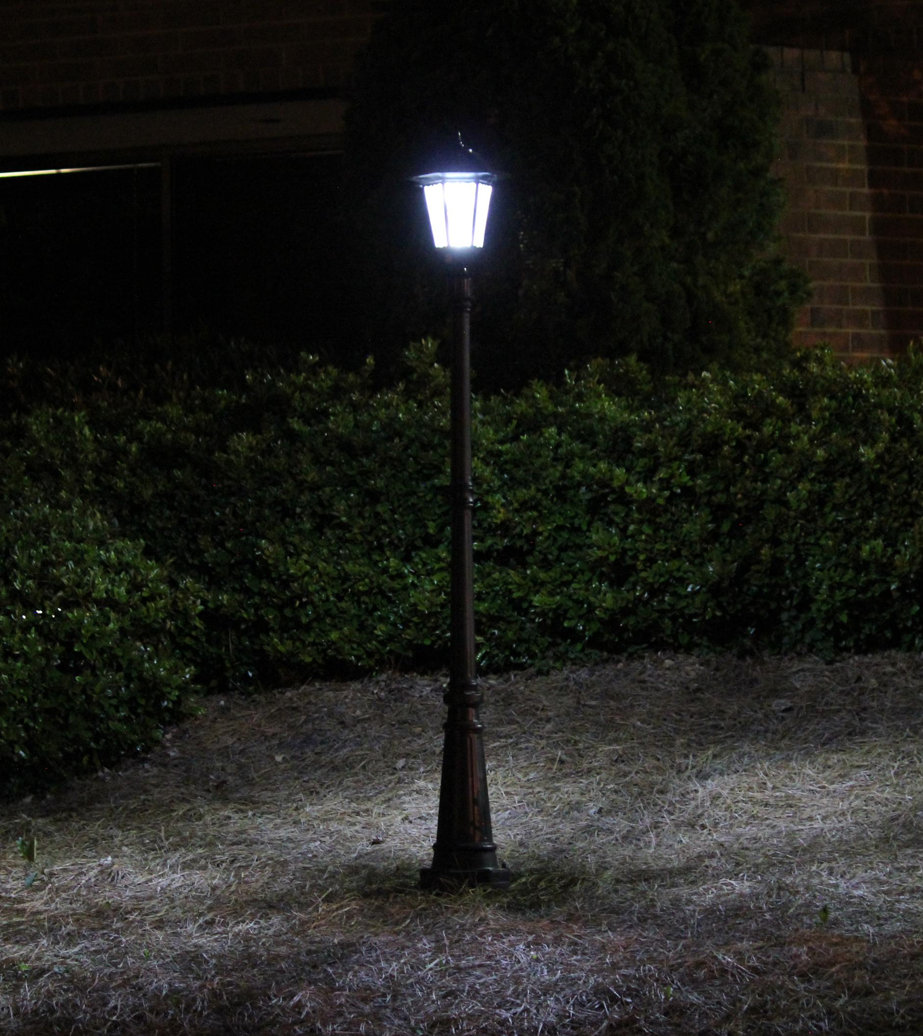 Everest Outdoor Solar Lamp
