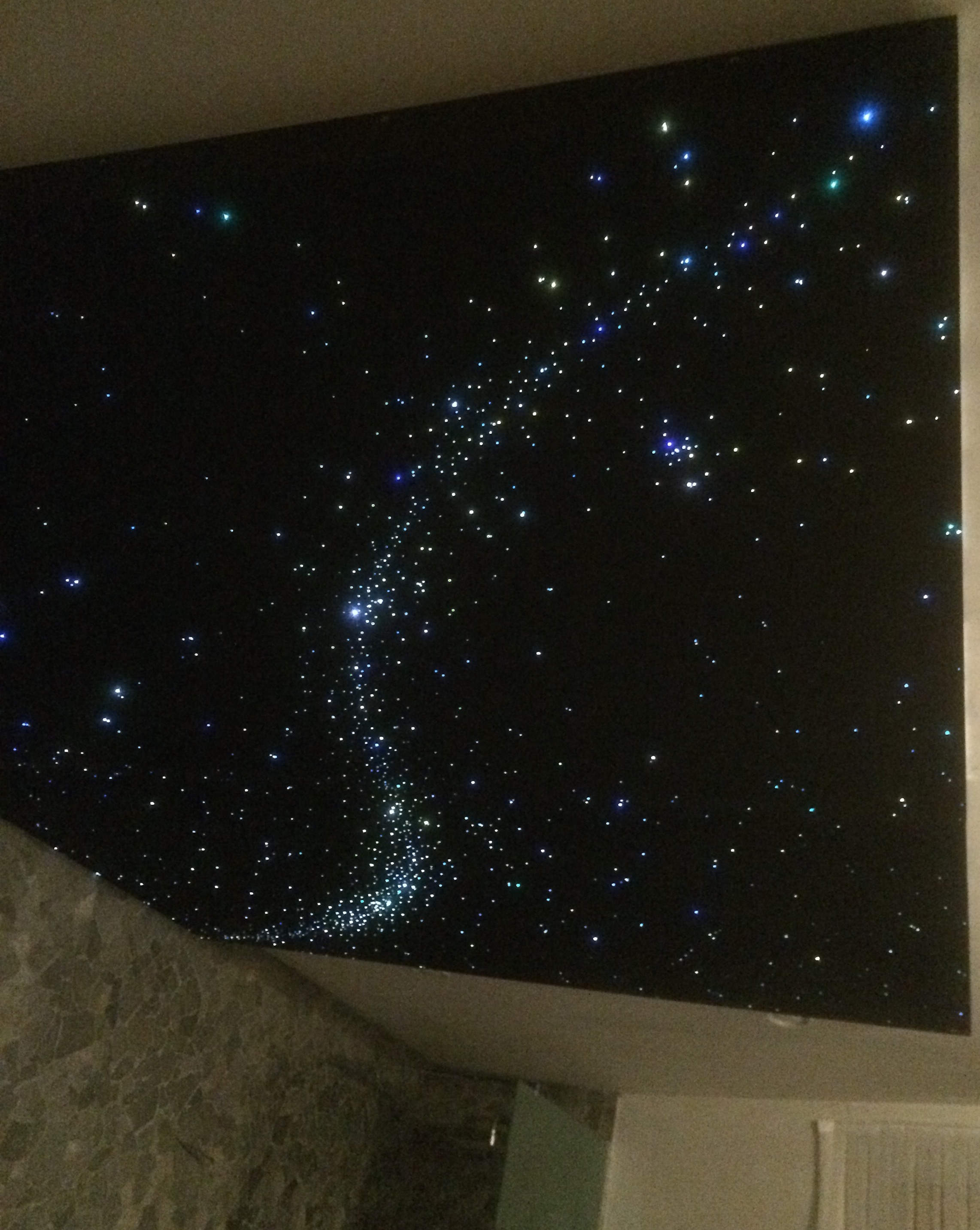 Watch Night Sky In Your Room With Star Effect Ceiling Lights ...