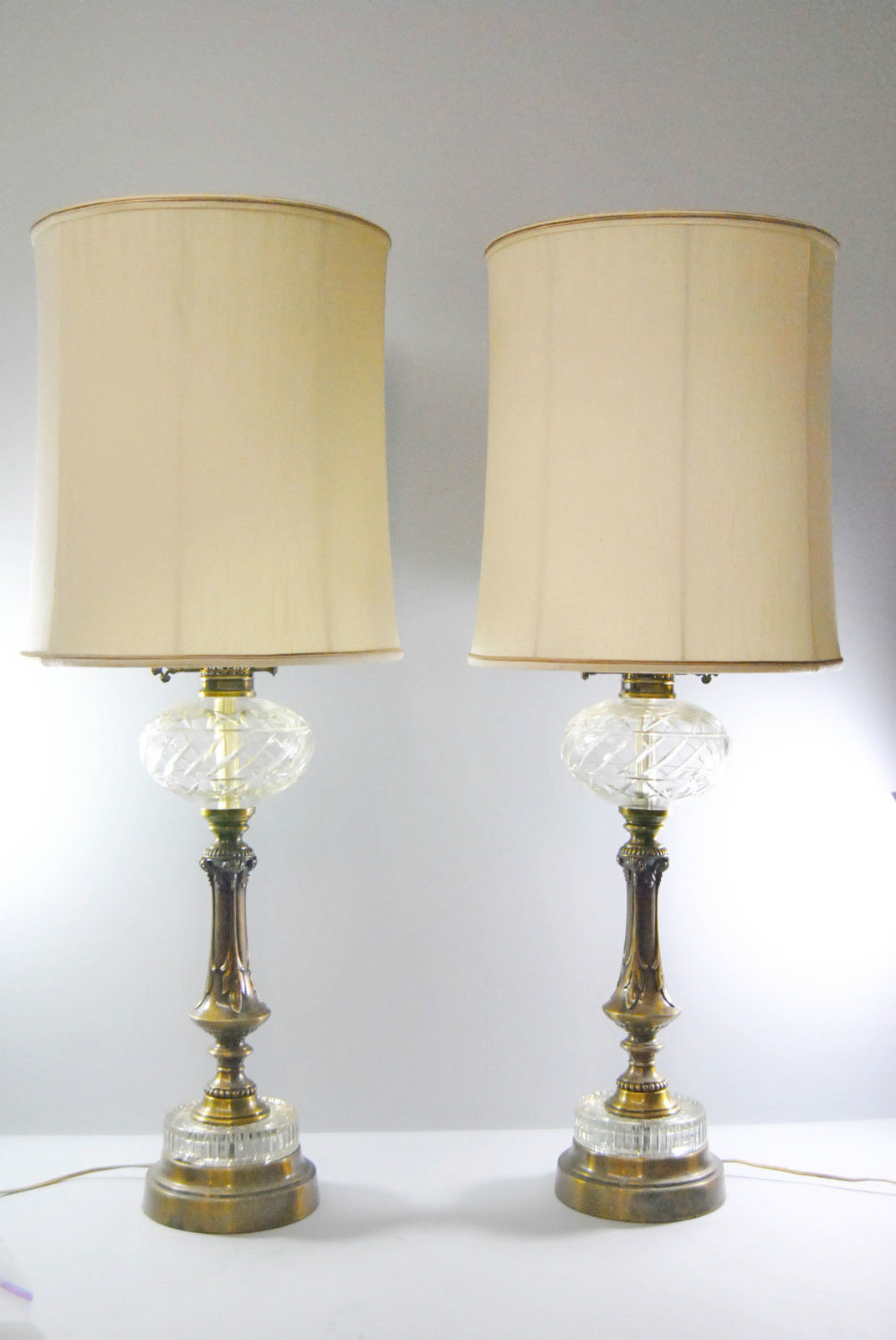 25 Vintage Table Lamps For A Retro Home Decor