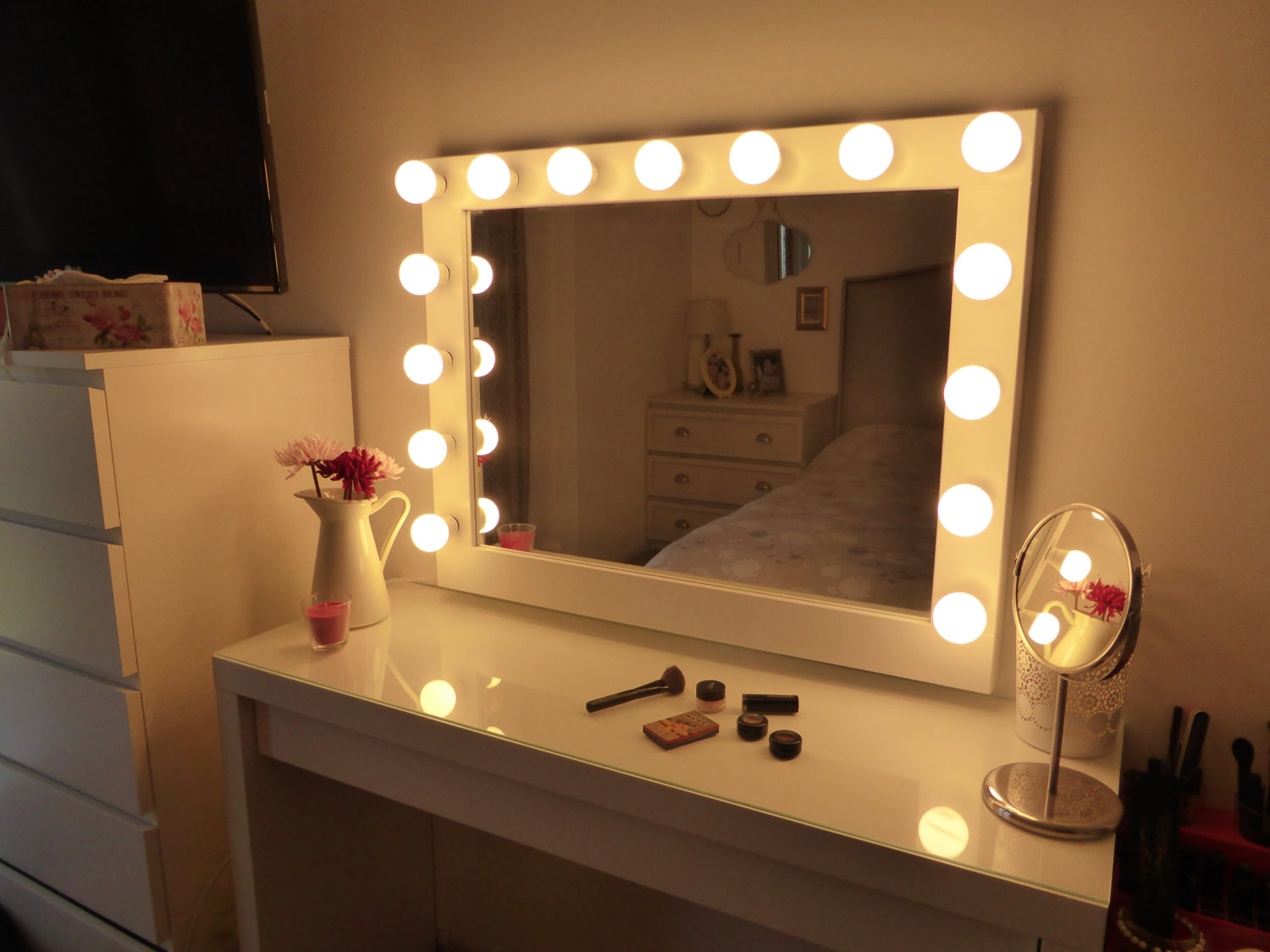 Wall makeup mirror with lights