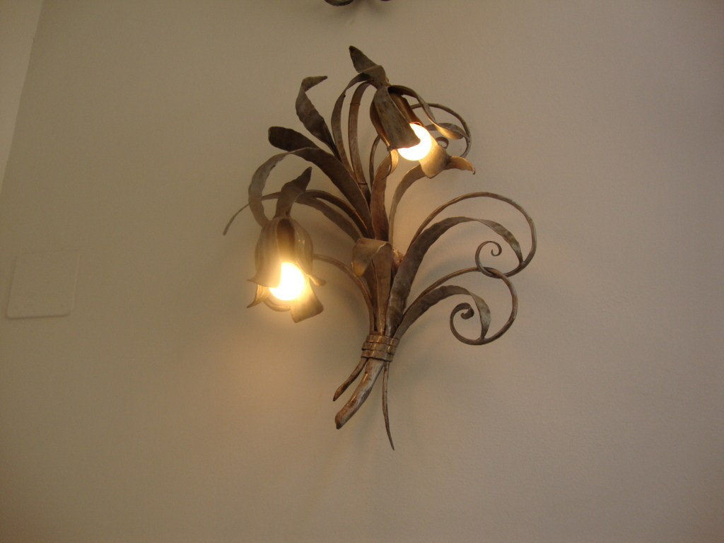 Decorative Wall Light Sconces : Wall mounted decorative lights methods to create a