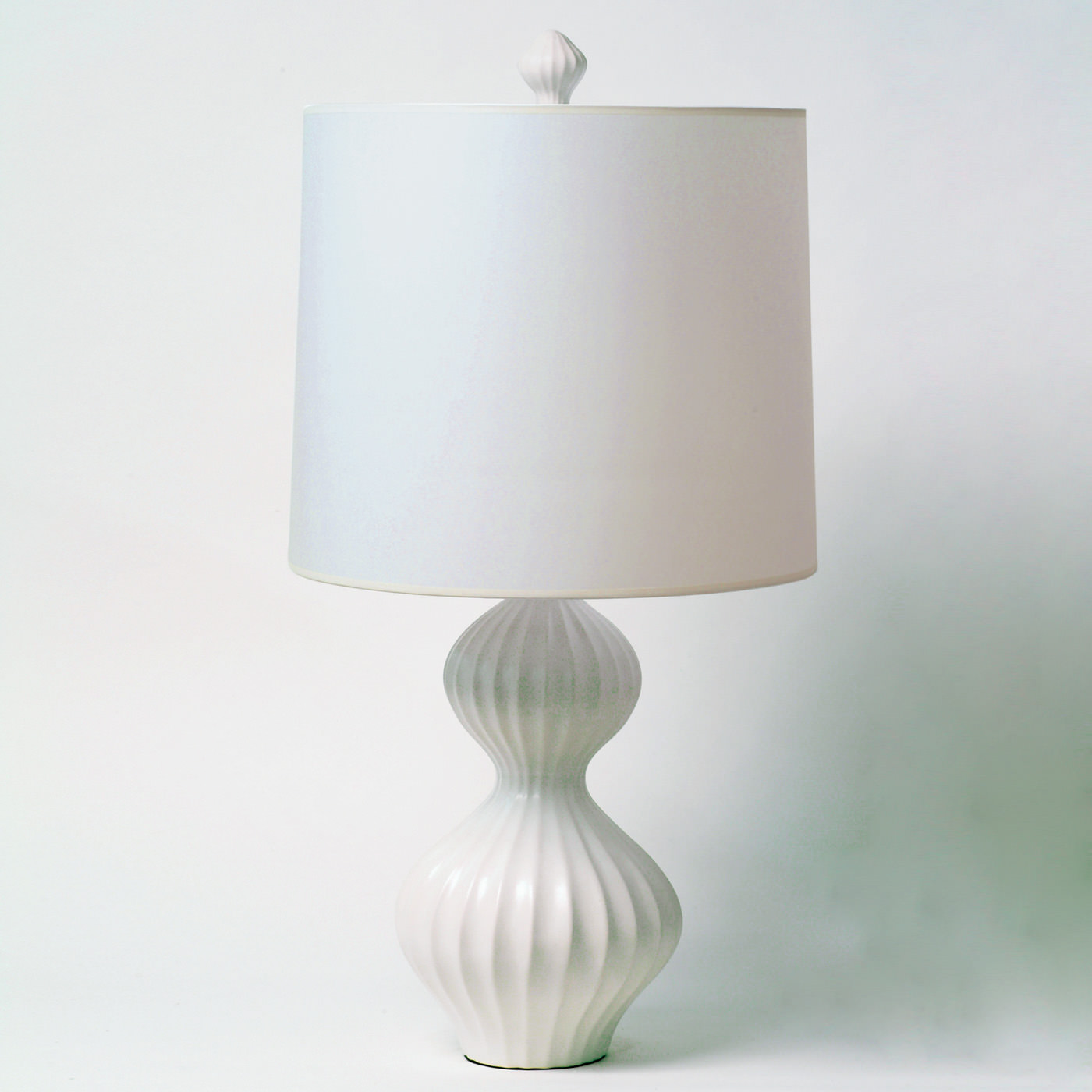 White Desk Lamp : White lamp table methods to give an artistic touch