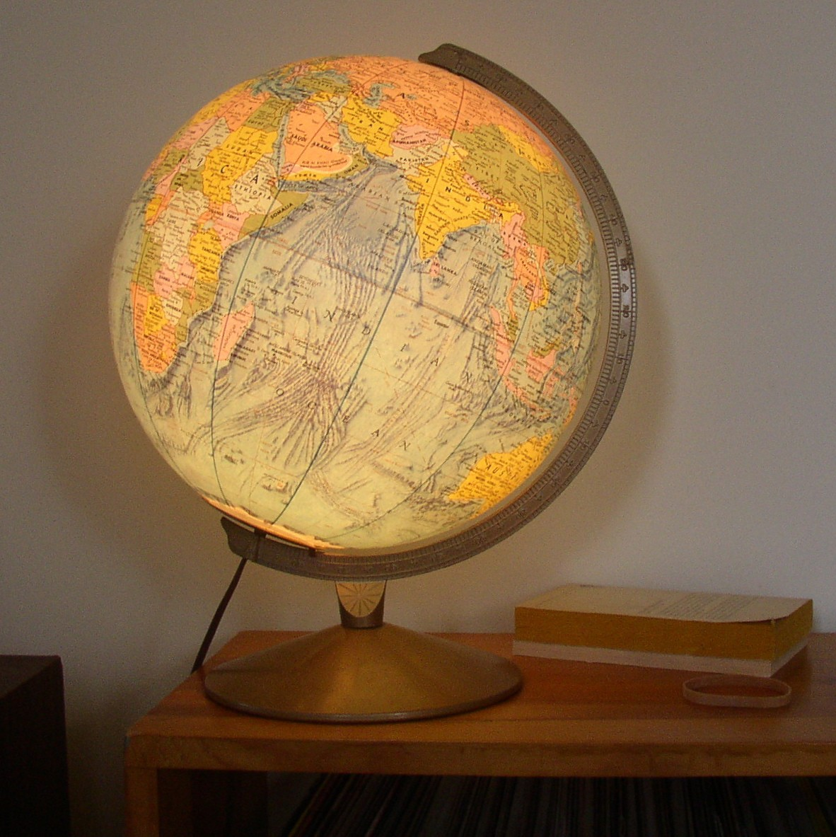 Open The Light Of The World With World Globe Lamps