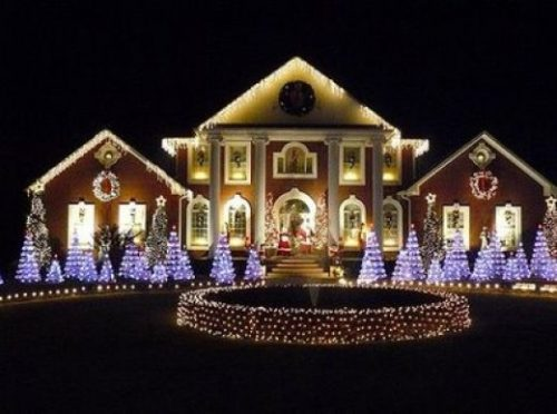 colored-outdoor-christmas-lights-photo-12