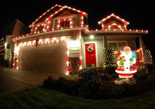 colored-outdoor-christmas-lights-photo-8