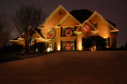 garland-christmas-lights-outdoor-photo-15