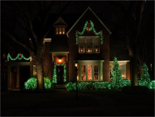 green-outdoor-christmas-lights-photo-6