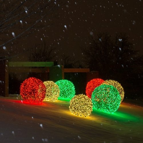 large-christmas-outdoor-lights-photo-9