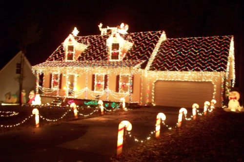 musical-outdoor-christmas-lights-photo-15